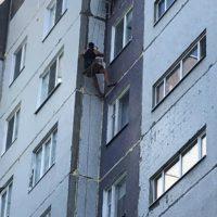 Выполняется ремонт монтажных швов по адресу пр-кт Строителей, 51